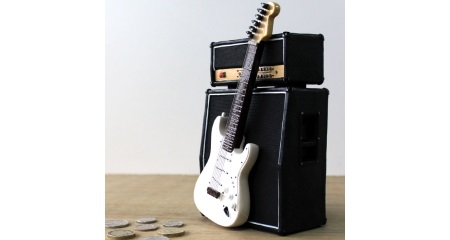 Stra & Amp Shaped Moneybox